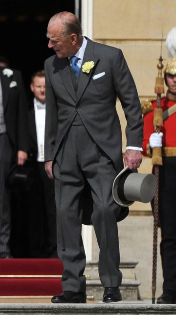 Fülöp edinburgh-i herceg kerti partin vesz részt Buckingham-palotában 2013. június 6-án