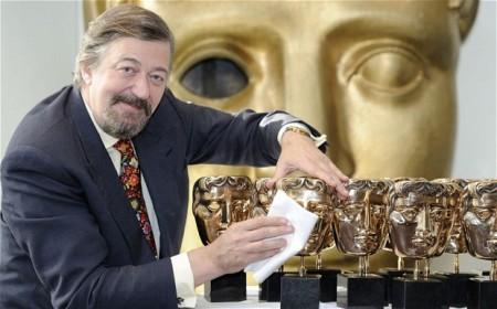 Stephen Fry brit humorista, író, színész