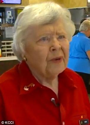 A 92 éves Sarah Dappen, a McDonald's legidősebb alkalmazottja