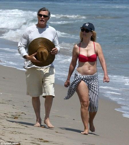 Jessica Lange Oscar-díjas amerikai színésznő a malibui tengerparton 2013. július 13-án