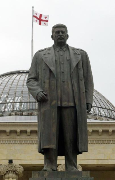 Az egykori Sztálin szobor a grúziai Gori városában