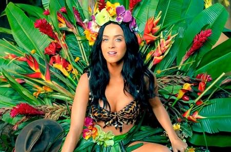 Katy Perry amerikai énekesnő a Roar című klipjében