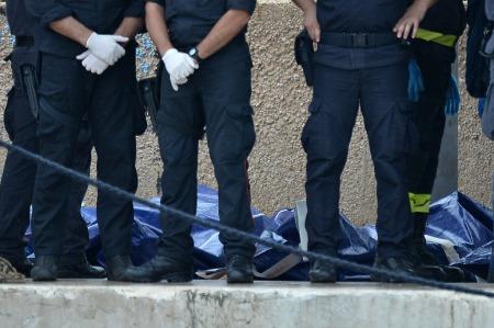 A hajószerencsétlenség áldozatai Lampedusa szigetén 2013. október 11-én
