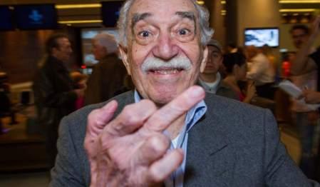 Gabriel García Márquez Nobel-díjas kolumbiai író egy új bevásárlóközpont átadásán Mexikóvárosban 2013. szeptember 30-án