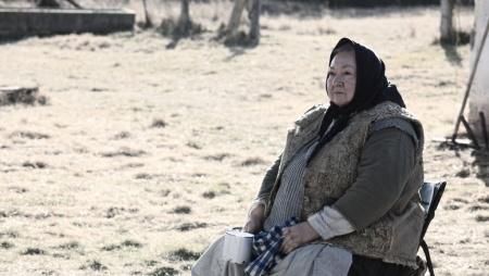 Molnár Piroska A nagy füzet című filmje forgatásán jelmezben