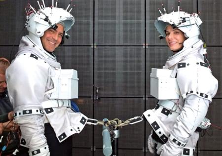 George Clooney és Sandra Bullock amerikai színészek a Gravitáció című filmjük forgatásán