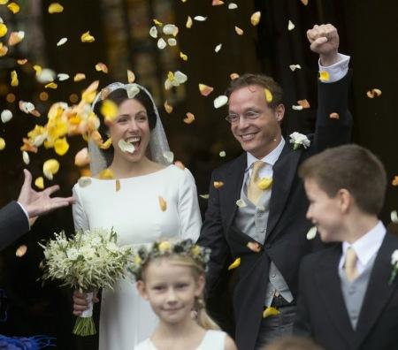 Cservenyák Viktória magyar születésű ügyvéd és Jaime Bernardo Bourbon-pármai herceg, a holland király unokatestvére a hollandiai Apeldoornban tartott esküvőjükön 2013. október 5-én