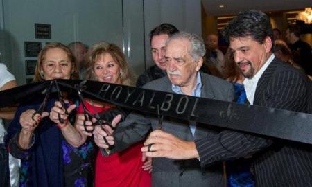 Gabriel García Márquez Nobel-díjas kolumbiai író átad egy új bevásárlóközpontot Mexikóvárosban 2013. szeptember 30-án