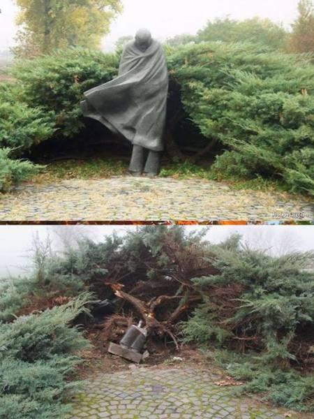 A győri Radnóti-szobor és maradványa
