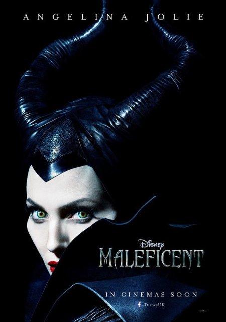 Angelina Jolie amerikai színésznő a Démona (Maleficent) című film plakátján