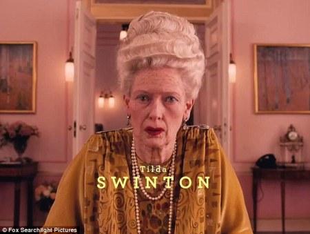 Tilda Swinton a The Grand Hotel Budapest című film egyik jelenetében