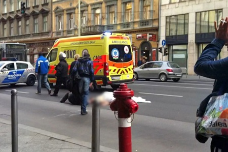 Egy meztelen férfi holtteste a Rákóczi úton 2013. november 23-án
