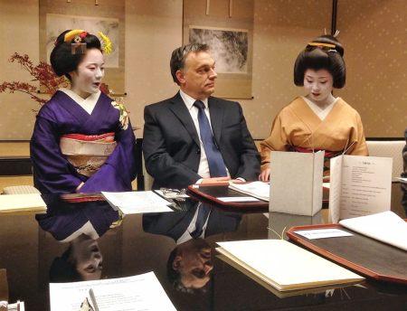 Orbán Viktor miniszterelnök állami látogatáson Japánban 2013. november 22-én (Fotó: Facebook/ Orbán Viktor hivatalos oldala)