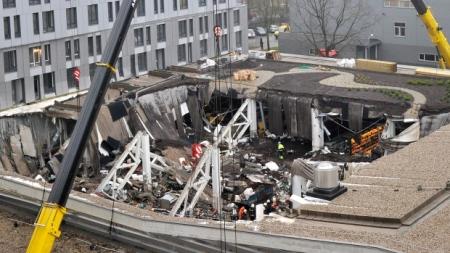 A rigai Maxima pláza beomlott teteje 2013. november 22-én