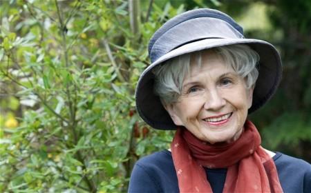 Alice Munro kanadai írónő