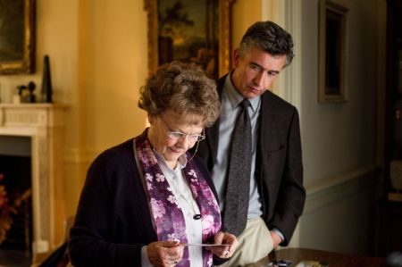Judi Dench és Steve Cogan a Philomena című film egyik jelenetében