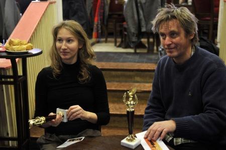 Tenki Réka színművésznő és Háy János író az Arany Medál-díjak átadásán 2013. december 5-én
