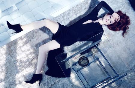 Julianne Moore amerikai színésznő a The Edit magazin 2014 januári számában