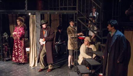 Jelenet Karinthy Ferenc Nők című színdarabjából a Karinthy Színházban 2013. december 18-án