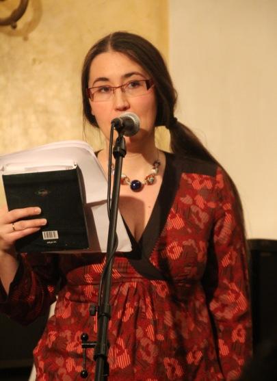 Szabó T. Anna költőnő Tandori Dezső Kossuth-díjas költő, író, műfordító 75. születésnapi köszöntésén a Petőfi Irodalmi Múzeumban 2013. december 8-án (Fotó: Mészáros Márton)