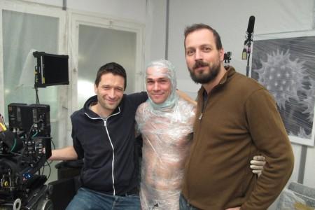 Pohárnok Gergő operatőr, Nagy Zsolt színész és Pálfi György rendező a Szabadesés című film forgatásán 2013 januárjában Budapesten (Forrás: Vertigo Media)