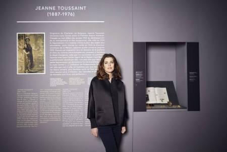 Charlotte Casiraghi, Caroline monacói hercegnő leánya a Cartier ékszerkiállításon Párizsban 2014. január 14-én