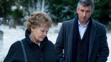 Judi Dench és Steve Coogan a Philomena című film egyik jelenetében