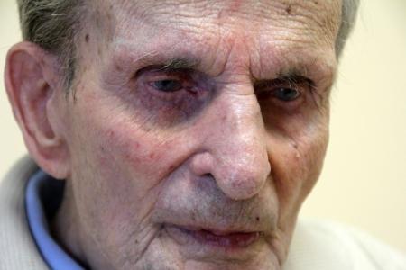 A 110 éves Gallai Rezső, Magyarország legidősebb férfija Győrben 2014. január 19-én (Fotó: Mészáros Márton)