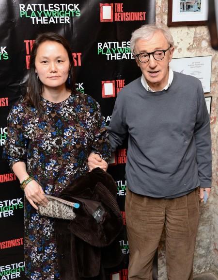 Woody Allen Oscar-díjas amerikai rendező-színész és felesége, Soon-Yi Previn