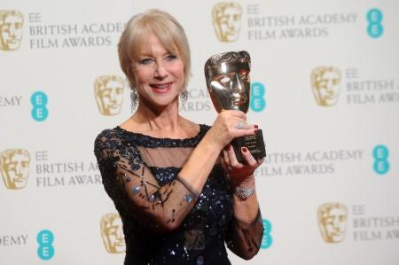 Helen Mirren Oscar-díjas brit színésznő a BAFTA-díjkiosztón Londonban 2014. február 16-án