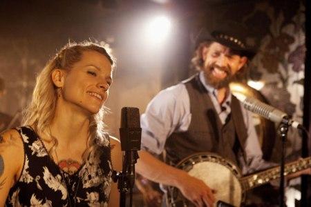 Jelenet az Alabama és Monroe (The Broken Circle Breakdown) című belga filmdrámából