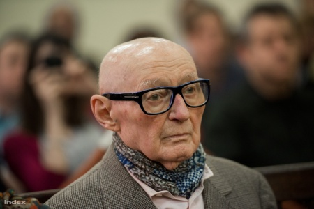 Az 1956-os forradalmat követő megtorlások kapcsán háborús bűntettel vádolt Biszku Béla volt belügyminiszter büntetőpere tárgyalásának a Fővárosi Törvényszéken 2014. március 18-án