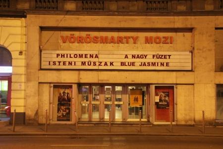 A bezárás előtti Vörösmarty mozi az Üllői úton 2014. március 29-én (Fotó: Mészáros Márton)