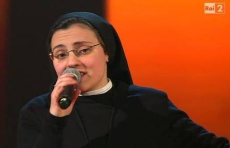 Cristina Scuccia szerzetesnővér a The Voice tehetségkutatóban