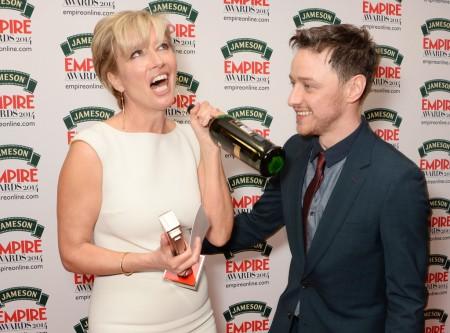Emma Thompson és James McAvoy az Empire-díjak átvétele után Londonban 2014. március 29-én