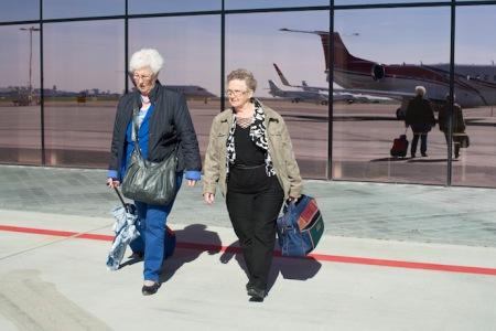 An és Ria első repülőútjukra érkezik