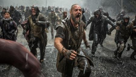 Russell Crowe Oscar-díjas ausztrál színész a Noé című film egyik jelenetében