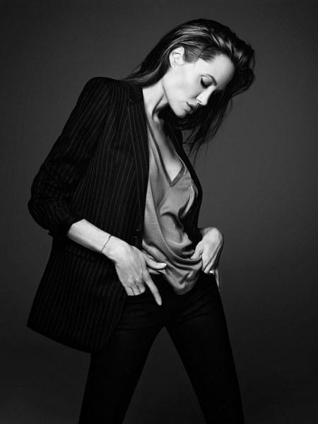 Angelina Jolie Oscar-díjas amerikai színésznő az Elle magazin 2014 júniusi számában