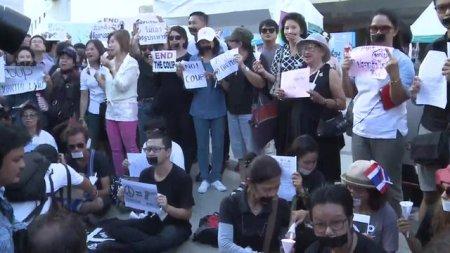 Tüntetők Thaiföldön (Forrás: bbc.com, 2014. május 23.)
