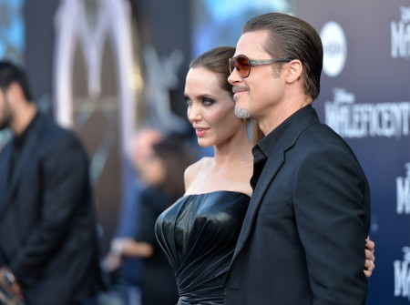 Angelina Jolie amerikai színésznő és Brad Pitt amerikai színész a Demóna (Maleficent) című film bemutatóján a Los Angeles-i El Capitan Színháznál 2014. május 28-án