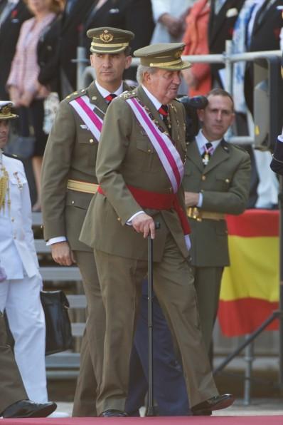 I. János Károly spanyol király és fia, Fülöp herceg a San Lorenzo de El Escorial-i királyi kolostornál 2014. június 3-án