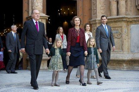 I. János Károly király, Zsófia királyné, valamint  Leonor és Zsófia hercegnő, valamint Fülöp herceg
