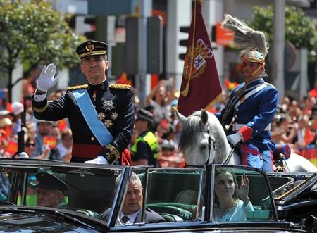 VI. Fülöp spanyol király az uralkodó beiktatási ceremóniáján Madridban 2014. június 19-én