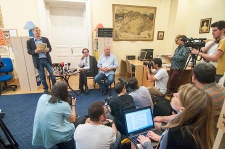 A Magyar Krónika bemutatója a Demokrata szerkesztőségében 2014. június 4-én