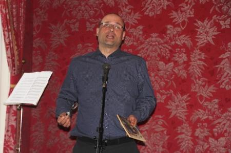 Csabai László író, miután átvette a Békés Pál-díjat a Petőfi Irodalmi Múzeumban 2014. március 28-án (Fotó: Mészáros Márton)