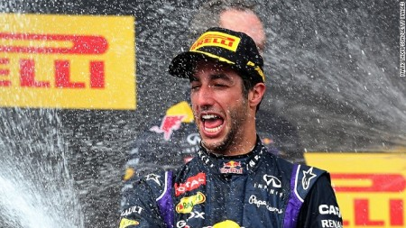 Az ausztrál Daniel Ricciardo a Magyar Nagydíj győzteseként 2014. július 27-én
