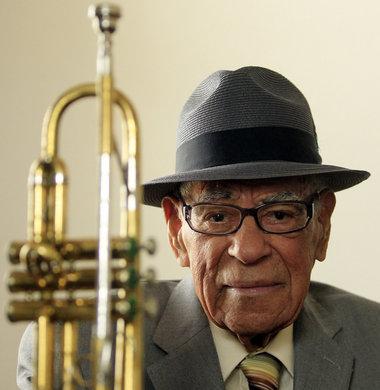 Lionel Ferbos amerikai jazztrombitás (1911-2014)