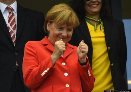 Angela Merkel német kancellár a brazíliai labdarúgó világbajnokság egyik mérkőzésen 2014. július 16-án