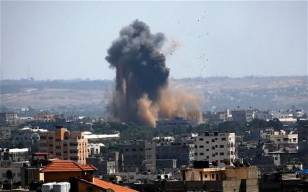 Izraeli  légicsapás Gázában