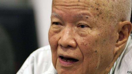 Khieu Samphan, Kambodzsa volt vörös khmer államfője perének ítélethirdetésén Phnompenben 2014. augusztus 7-én